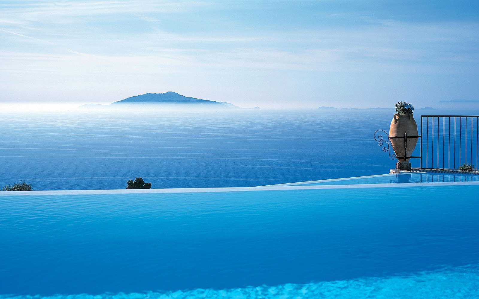 10 Jaw Dropping Hotel S Swimming Pools In Italy It S All About Italy