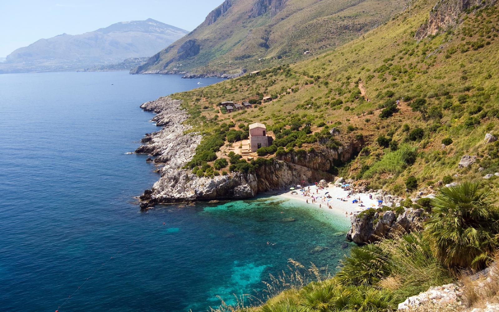 Mediterranean-sea-Riserva-dello-Zingaro-(Sicily)