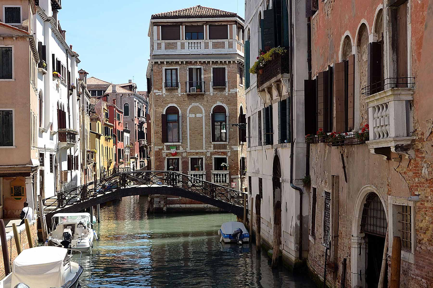 A typical Venetian bridge