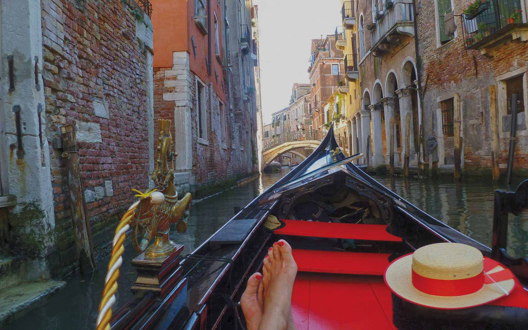 A laid back gondola ride