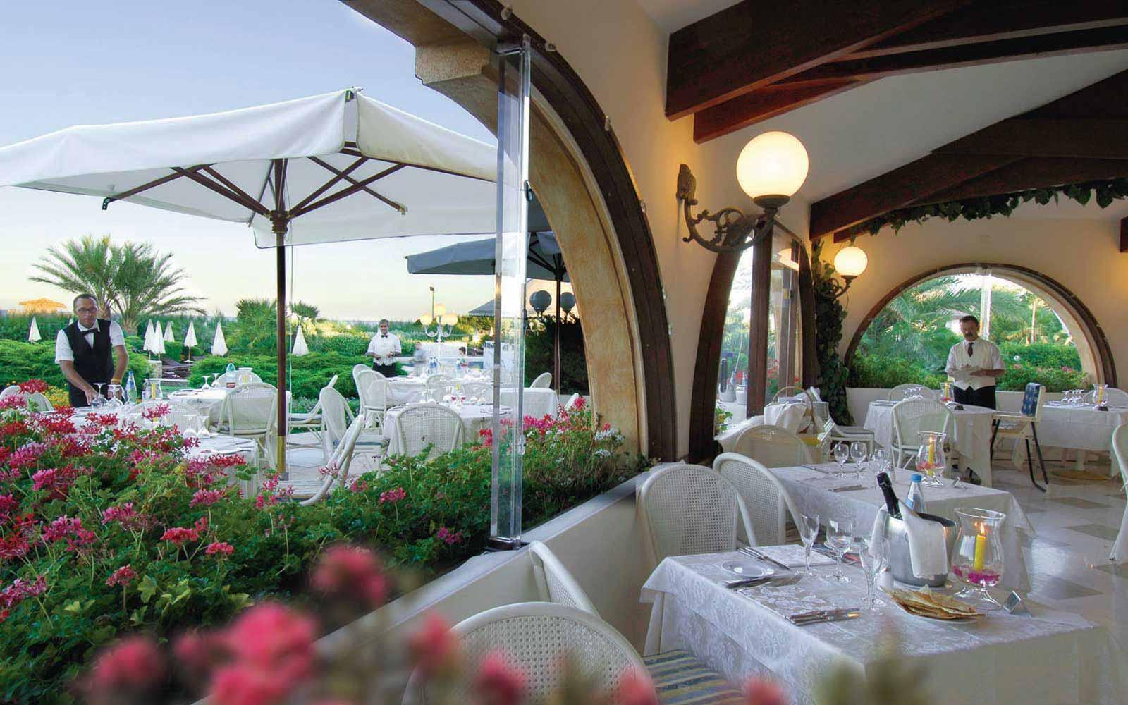 Restaurant at Hotel Baia Di Nora