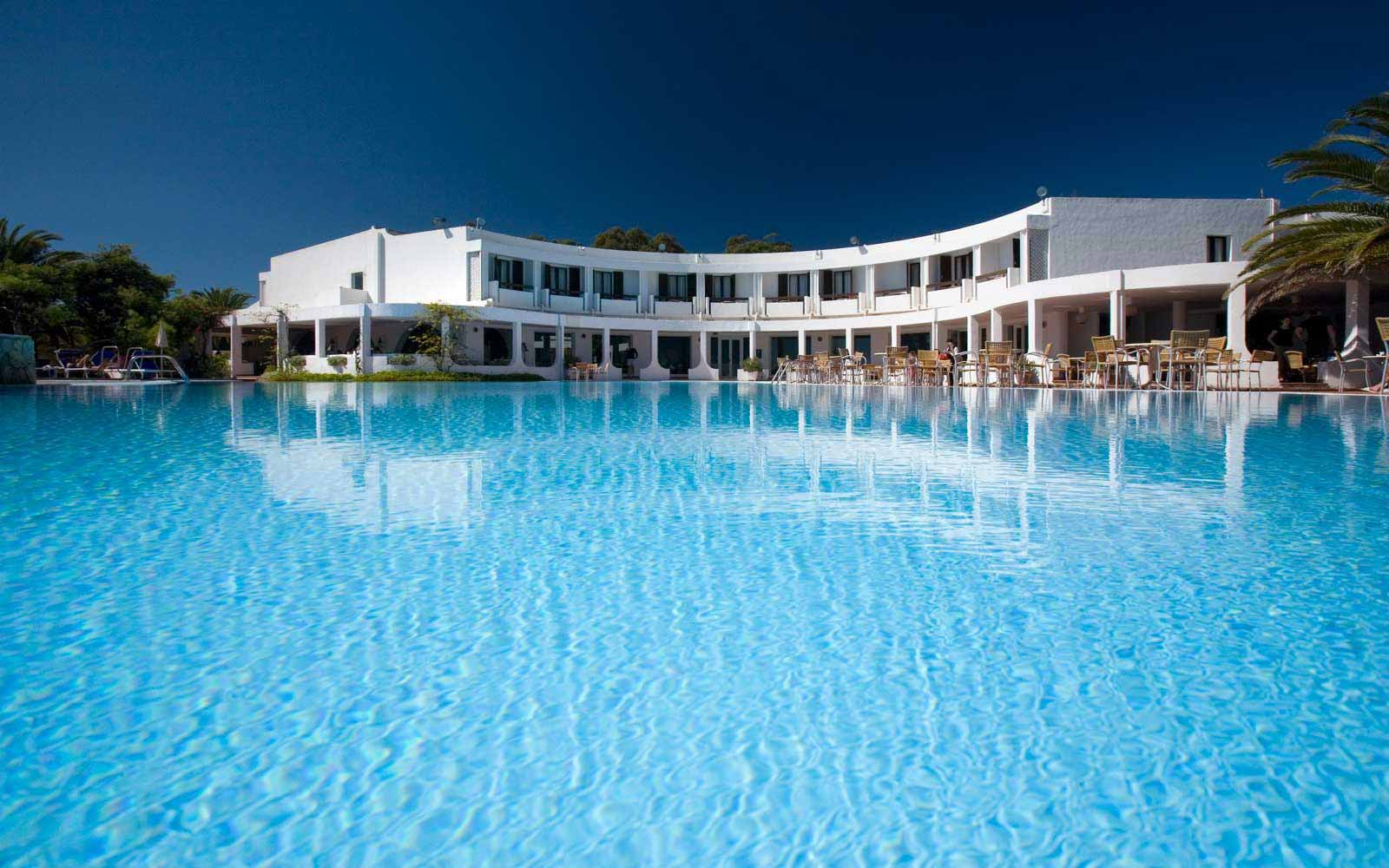 Swimming pool at Hotel Flamingo