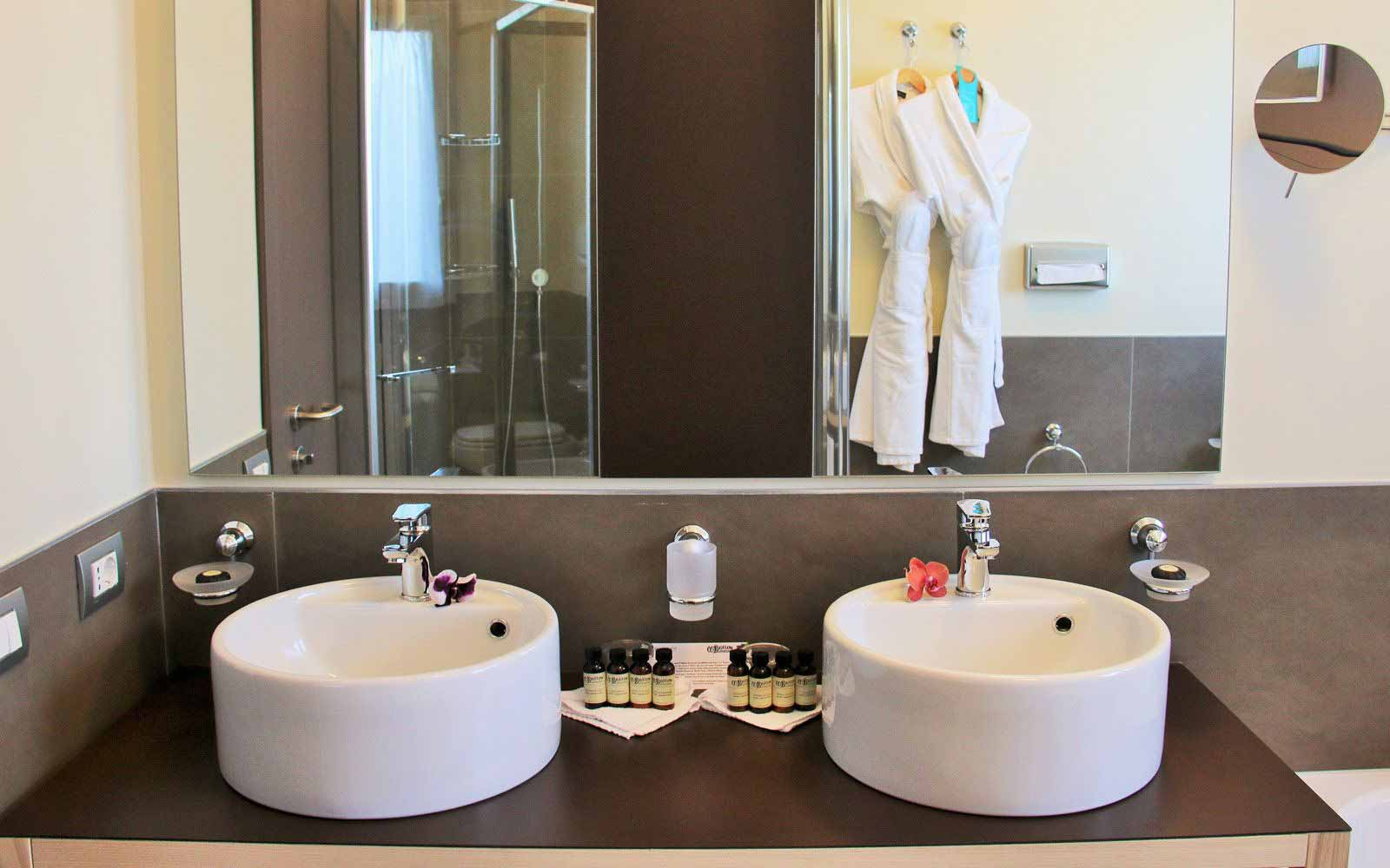 Bathroom in Executive Room at Pullman Timi Ama Sardegna