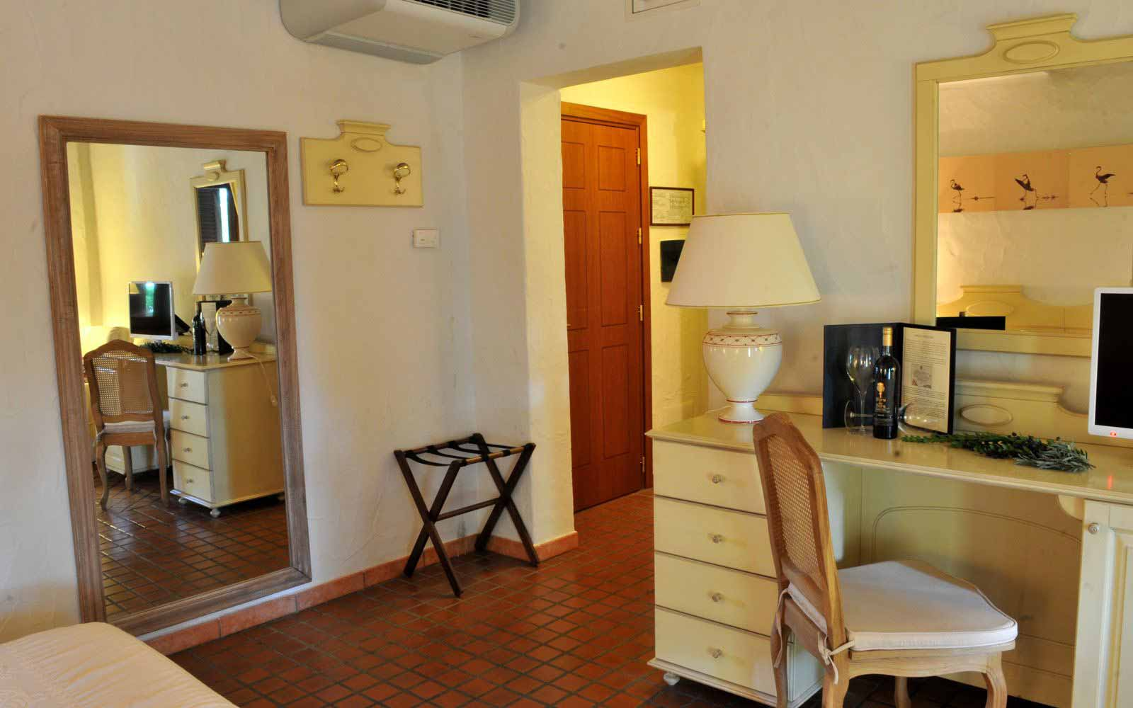 Junior suite at Is Benas Country Lodge