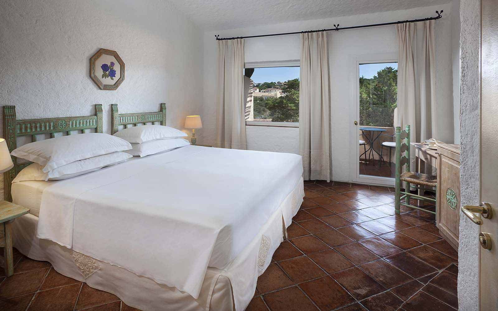A Superior Room with pool view at the Hotel Cervo