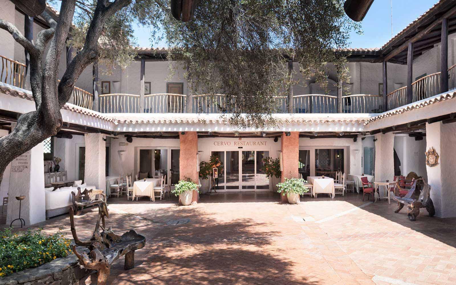Cervo Hotel Patio