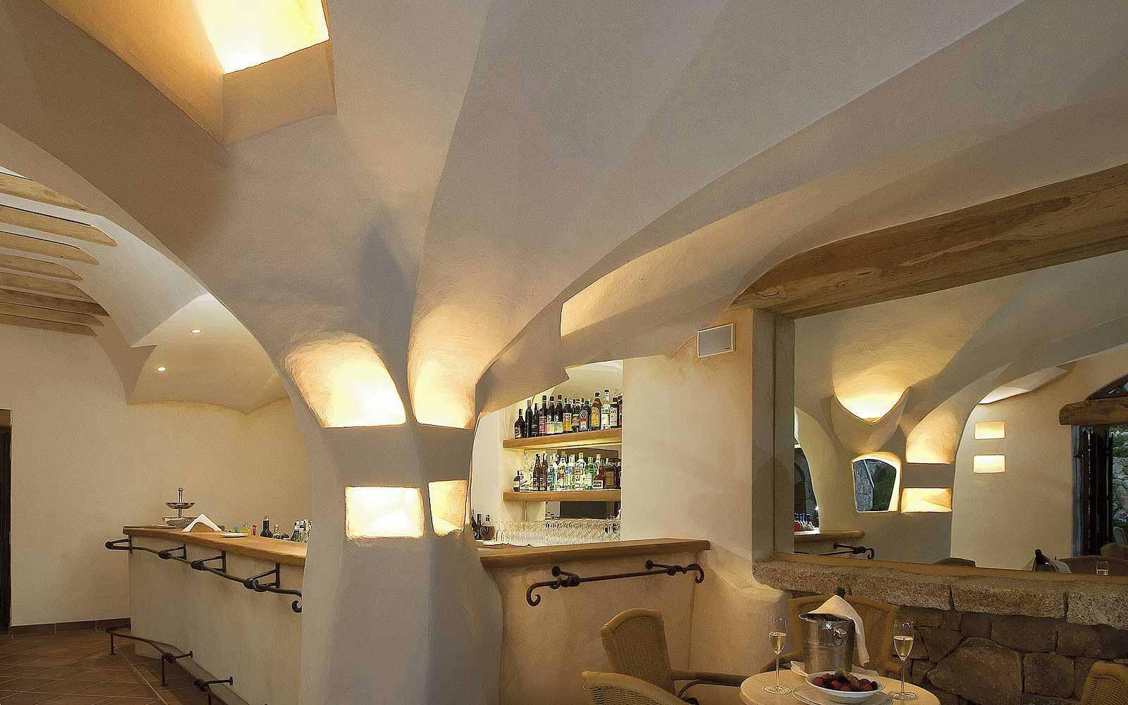 Le Arcate Bar at Colonna Pevero Hotel