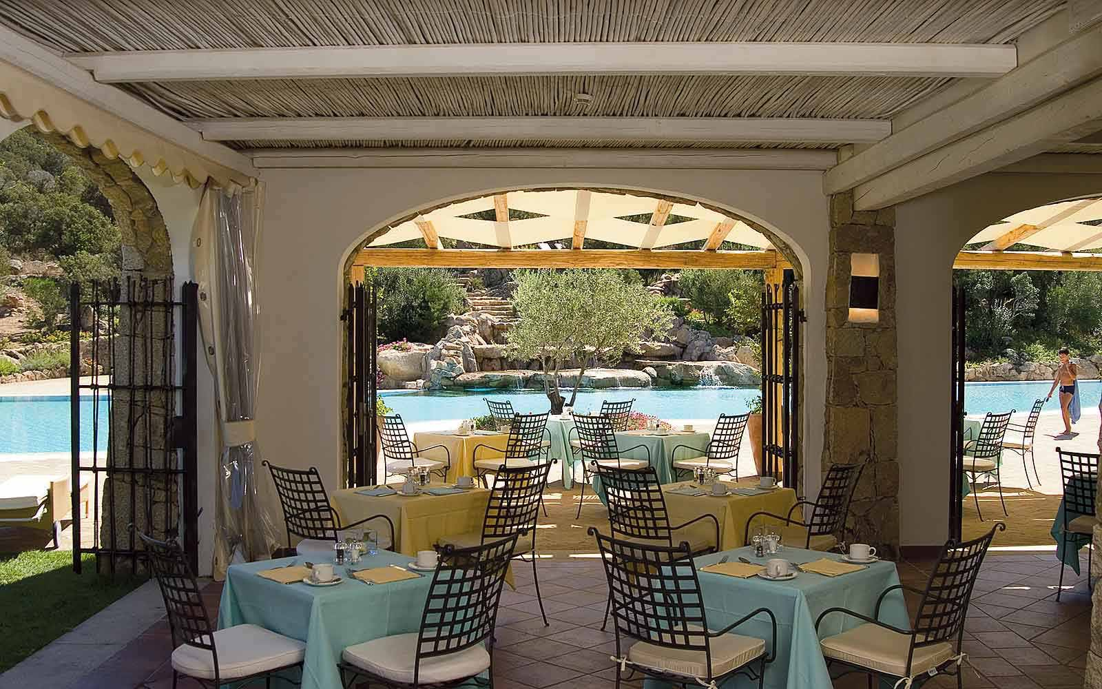Le Piscine Restaurant at Colonna Pevero Hotel