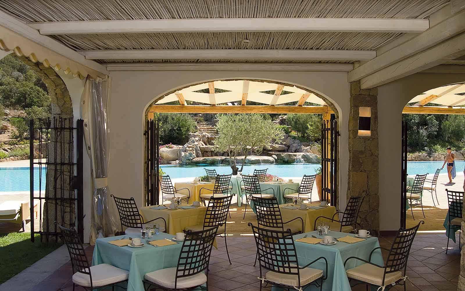 Le Piscine Restaurant at Colonna Pevero Hotel