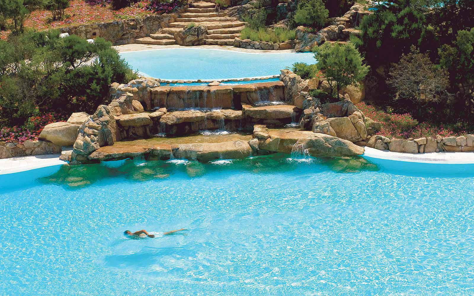 Swimming pool at Colonna Pevero Hotel