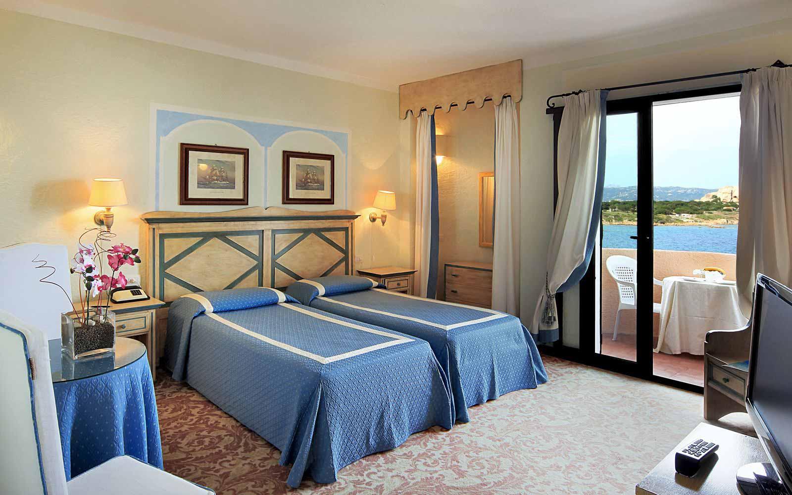 Standard room front sea view at Grand Hotel Smeraldo Beach