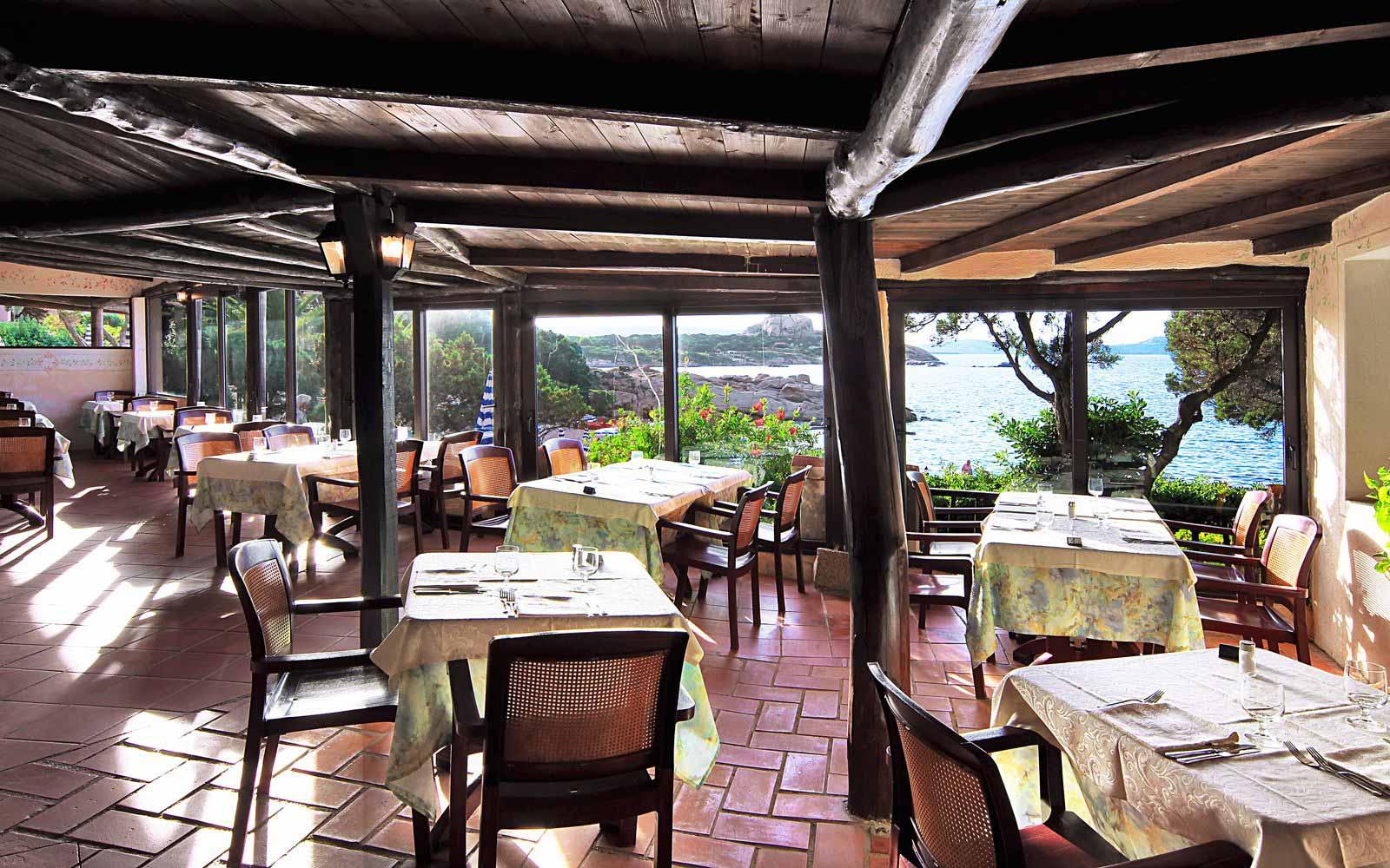 Pagoda Restaurant at Grand Hotel Smeraldo Beach