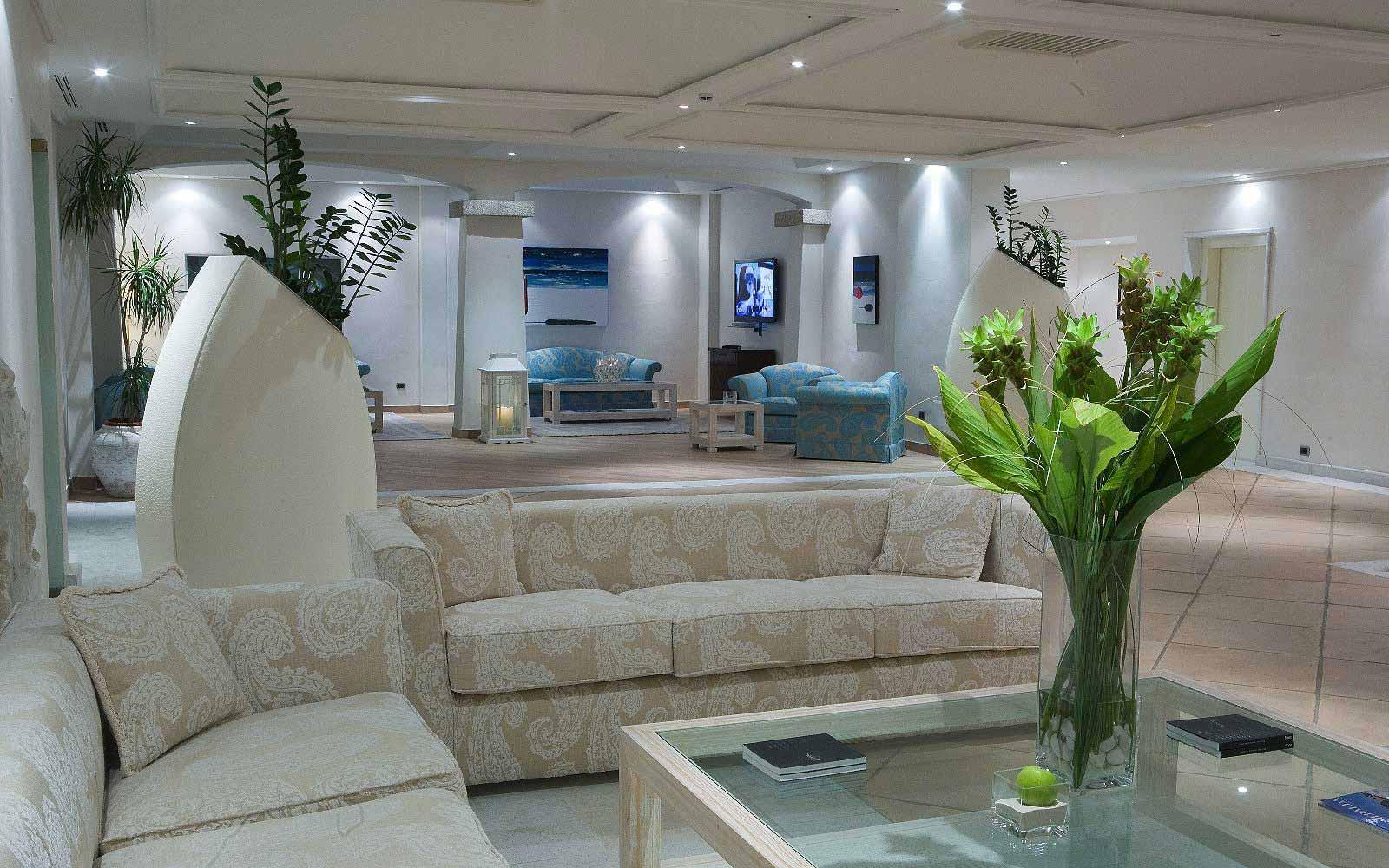 Lounge at Hotel Petra Bianca