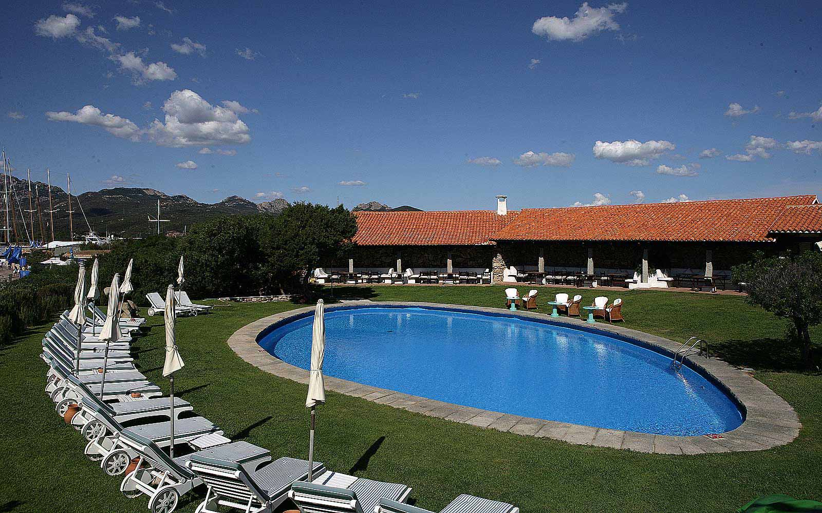 Swimming pool at Hotel Sporting