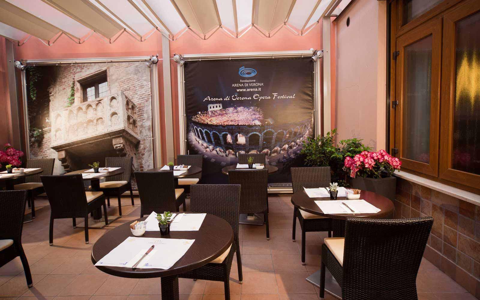 Dinning room at Hotel Giulietta & Romeo