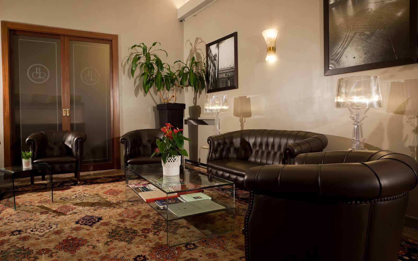 Sitting area at Hotel Giulietta & Romeo