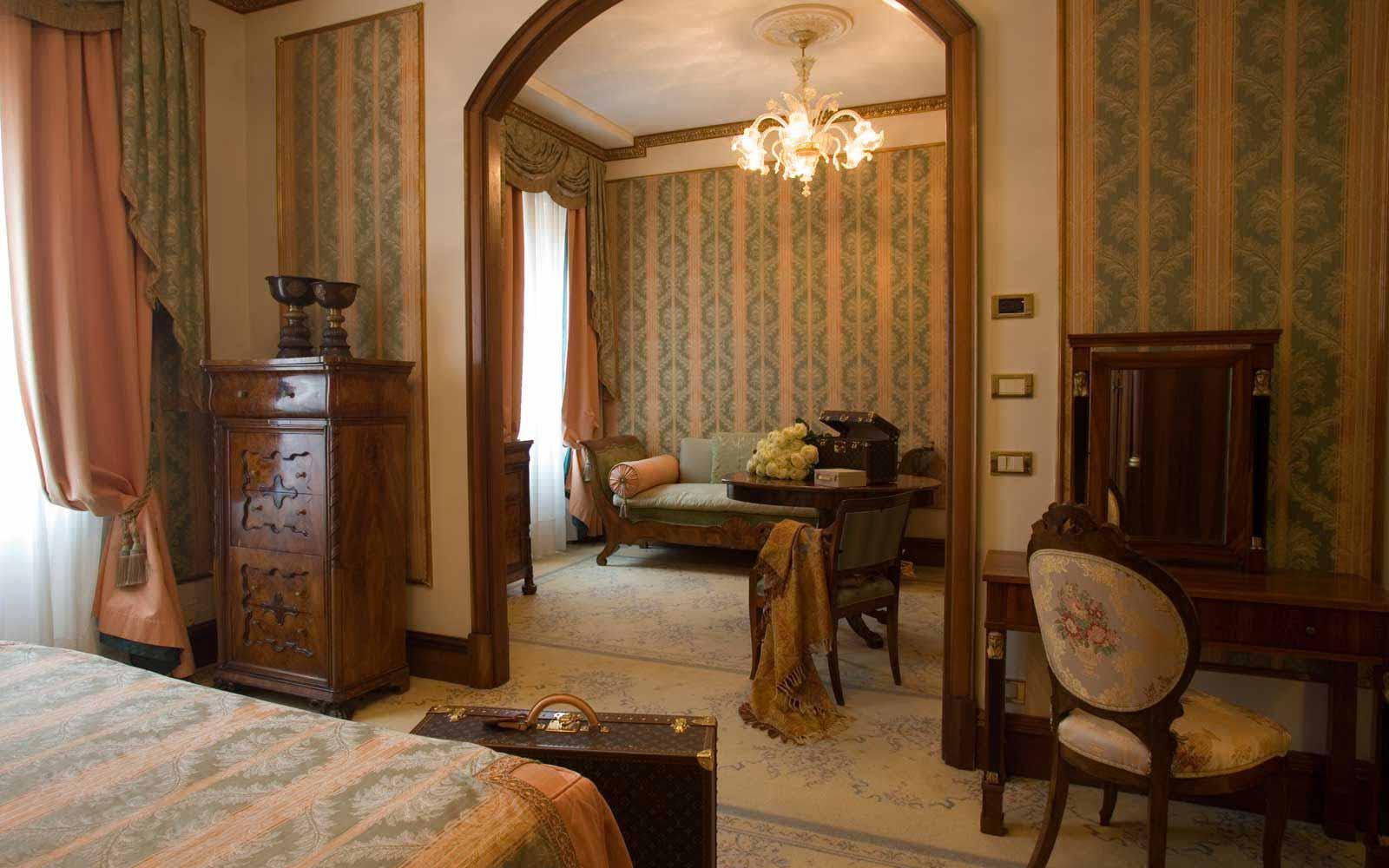 Junior suite at Due Torri Hotel