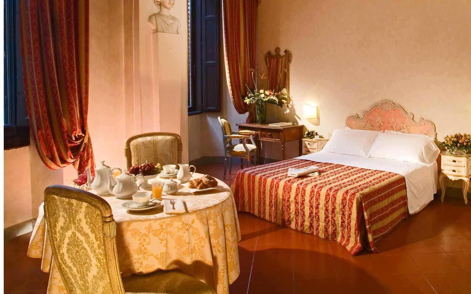 Superior double room at Hotel Paris