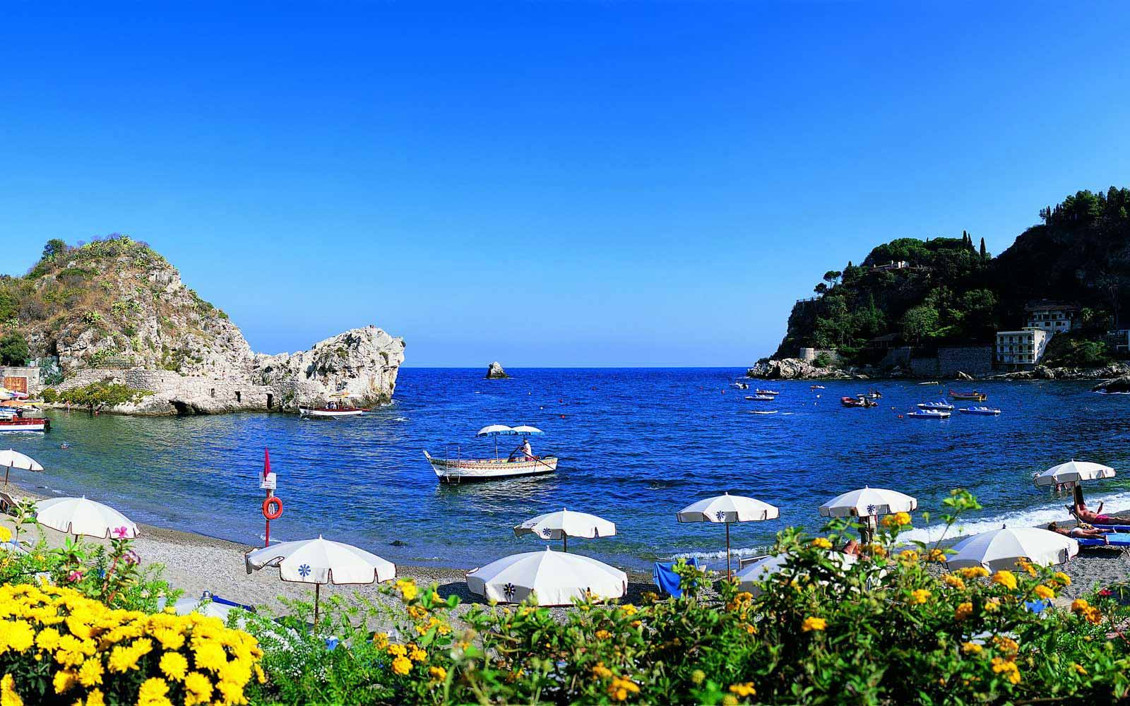 Beach at Grand Hotel Mazzaro Sea Palace
