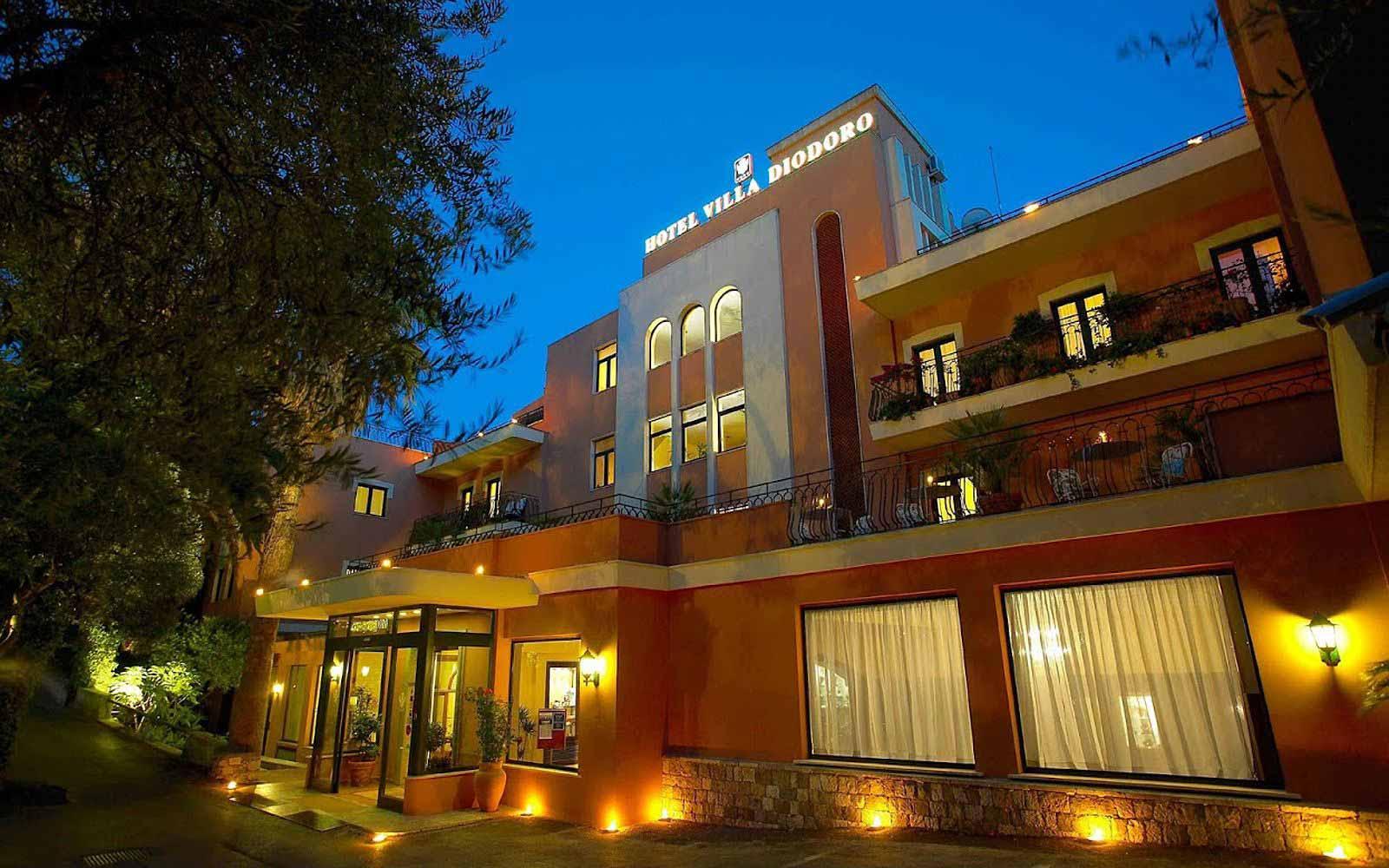 Hotel villa diodoro taormina sicily 4 holidays for Hotel villa taormina