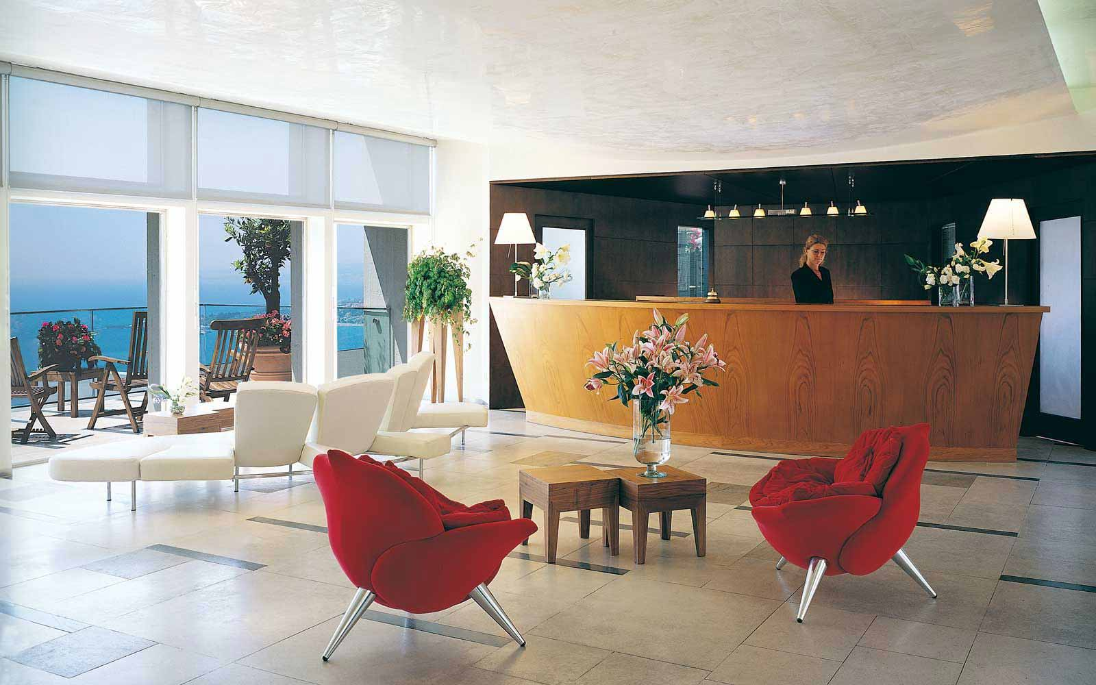 Reception desk at Hotel Monte Tauro