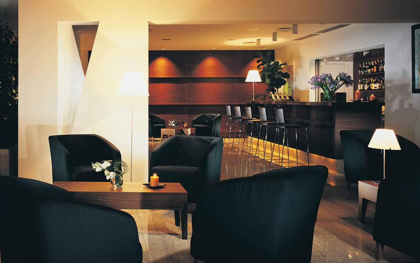 Bar at Hotel Monte Tauro