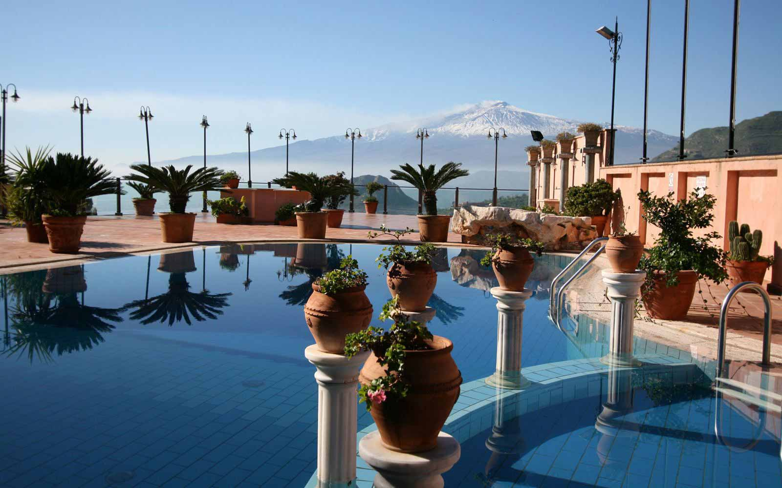 Pool with view over Mount Etna at Villa Sonia