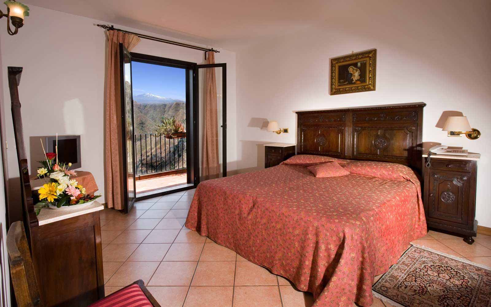 Superior room with Etna view at Villa Sonia