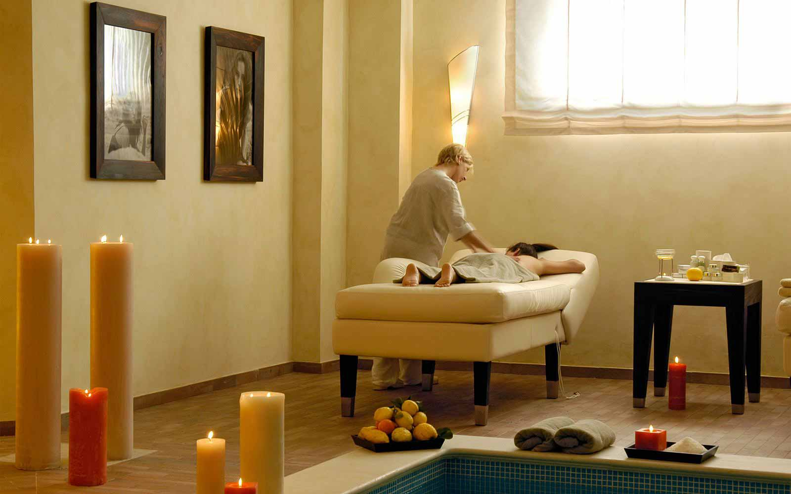 Massage at Hotel Giardino di Costanza