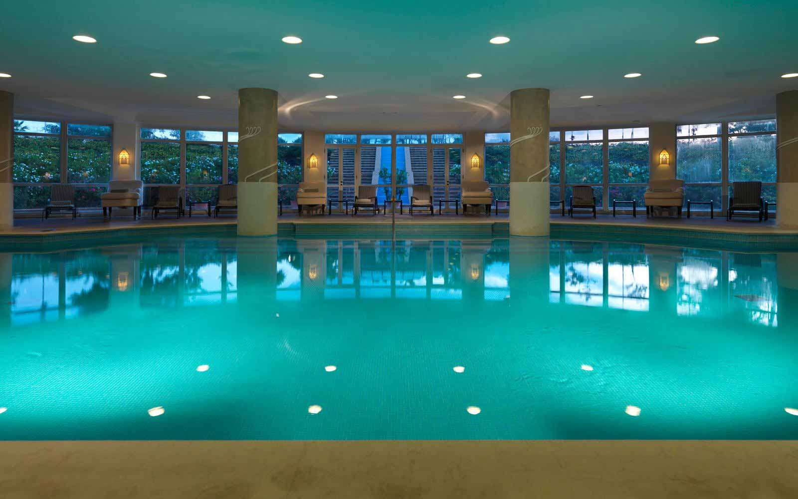Indoor pool at Hotel Giardino di Costanza
