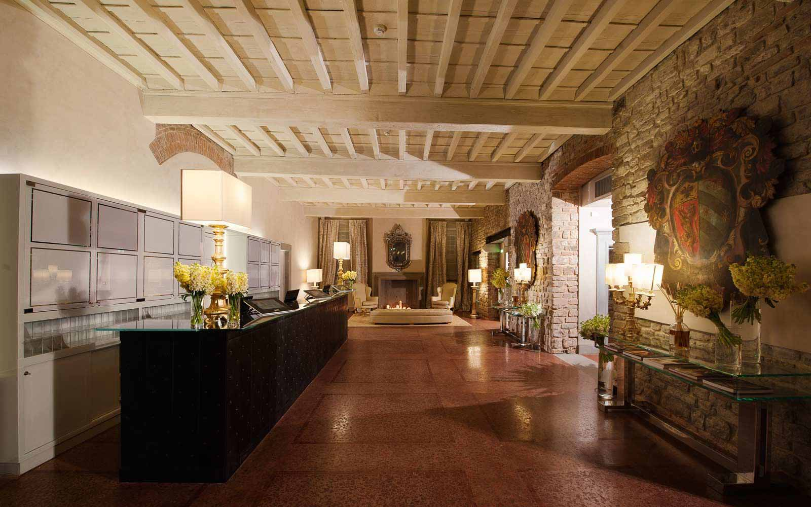 Reception hall at Hotel Brunelleschi