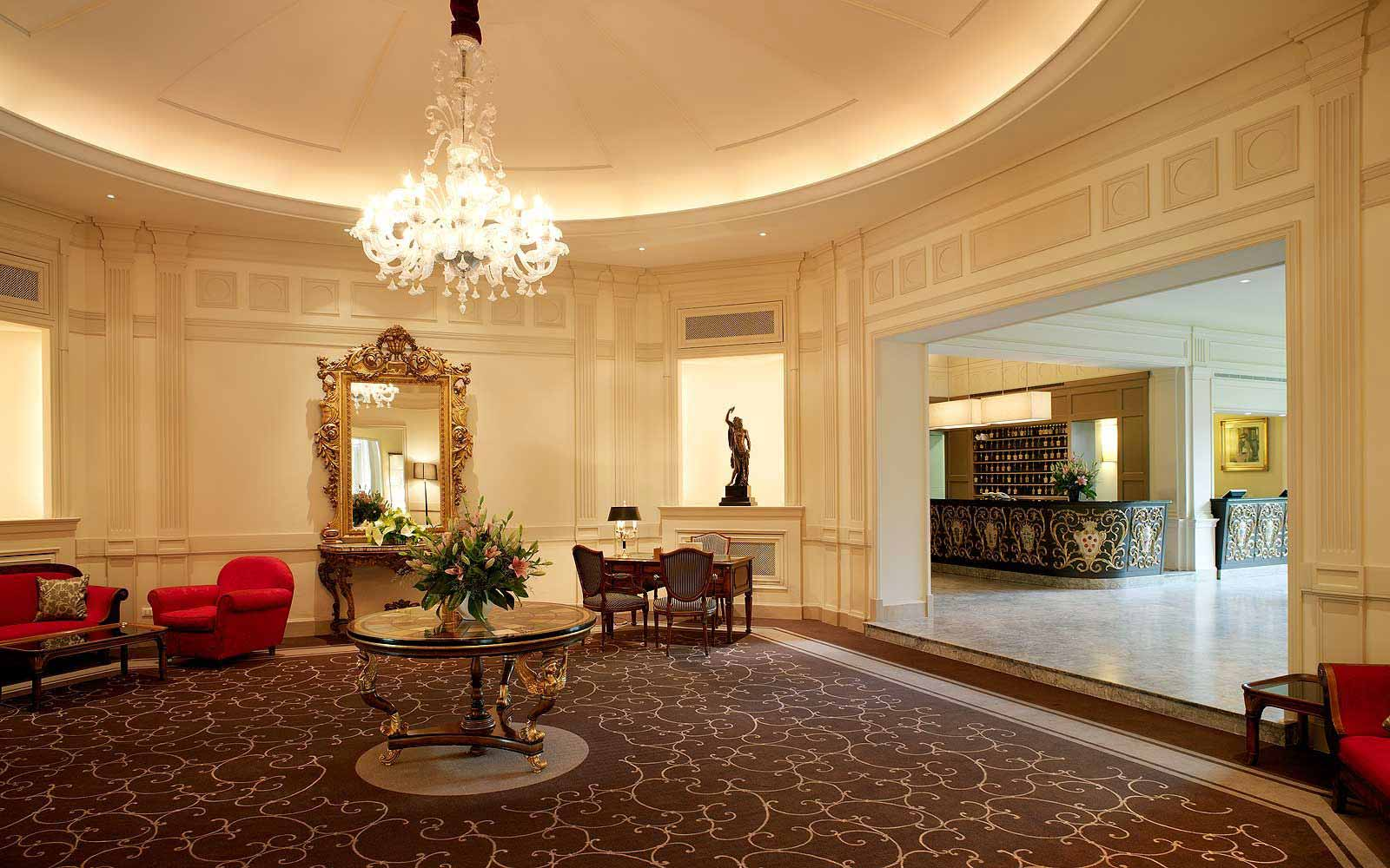 Lobby at Grand Hotel Villa Medici