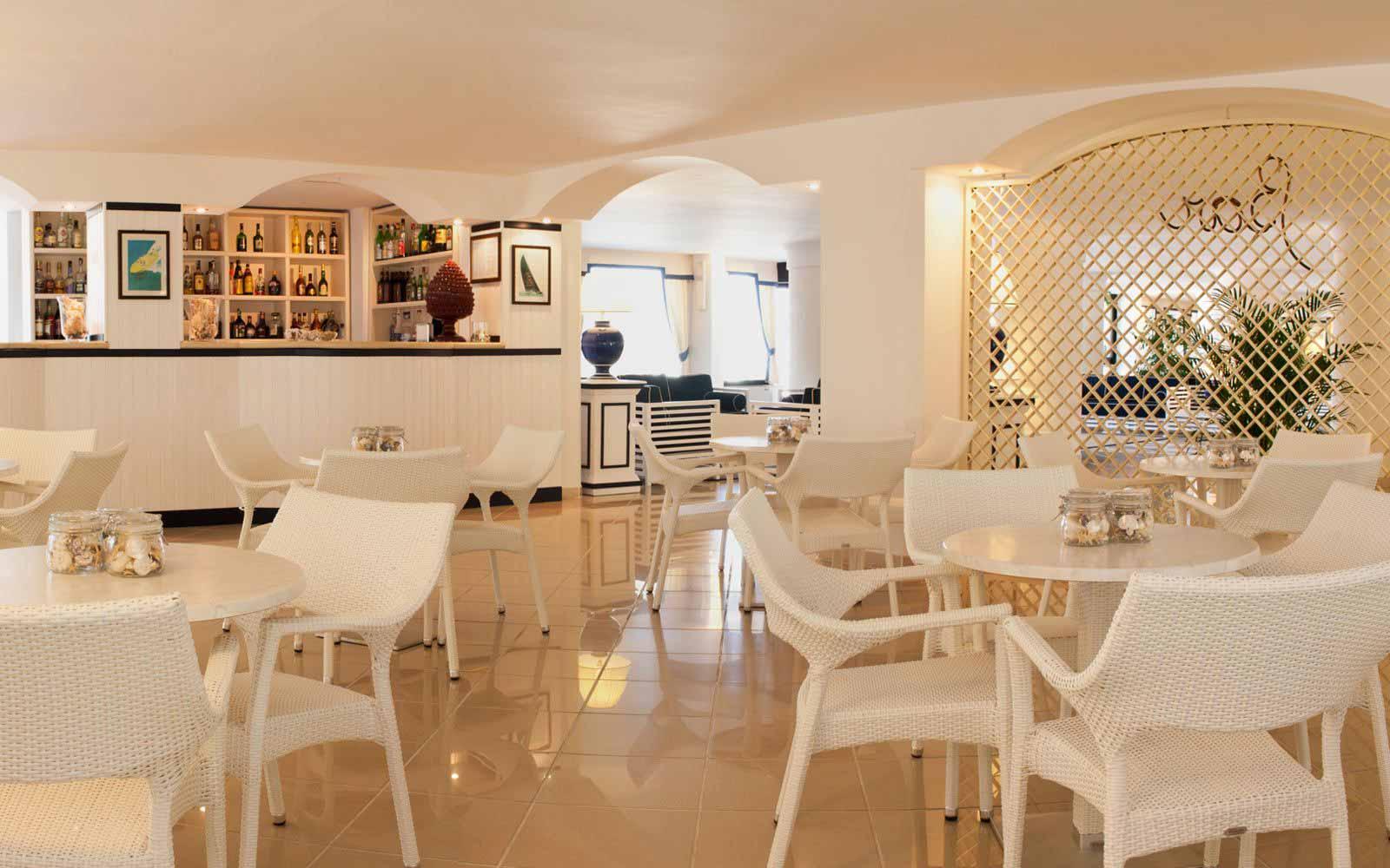 Bar at Hotel Del Levante