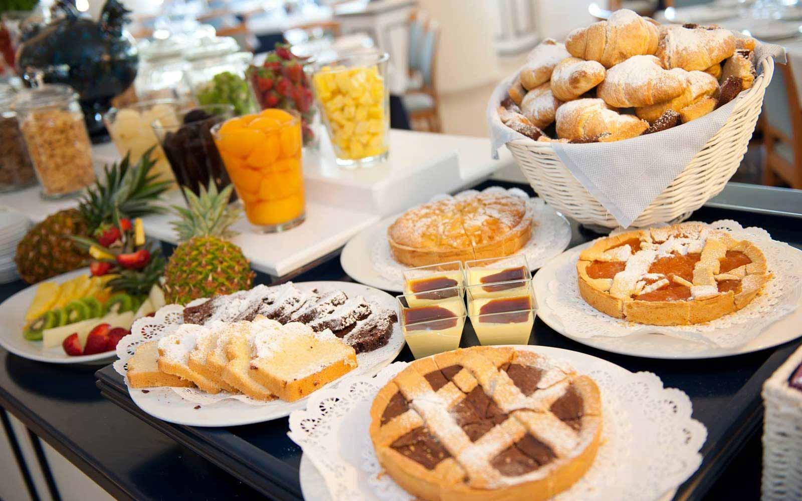 Buffet breakfast at Hotel Del Levante