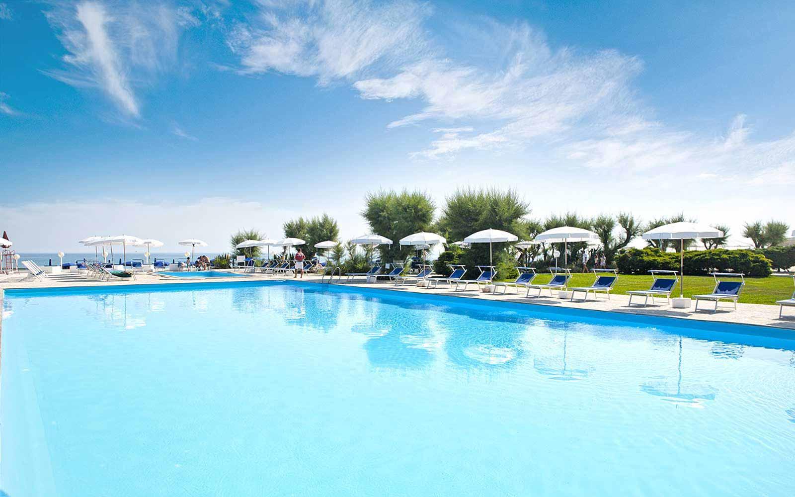 Swimming pool at Hotel Del Levante
