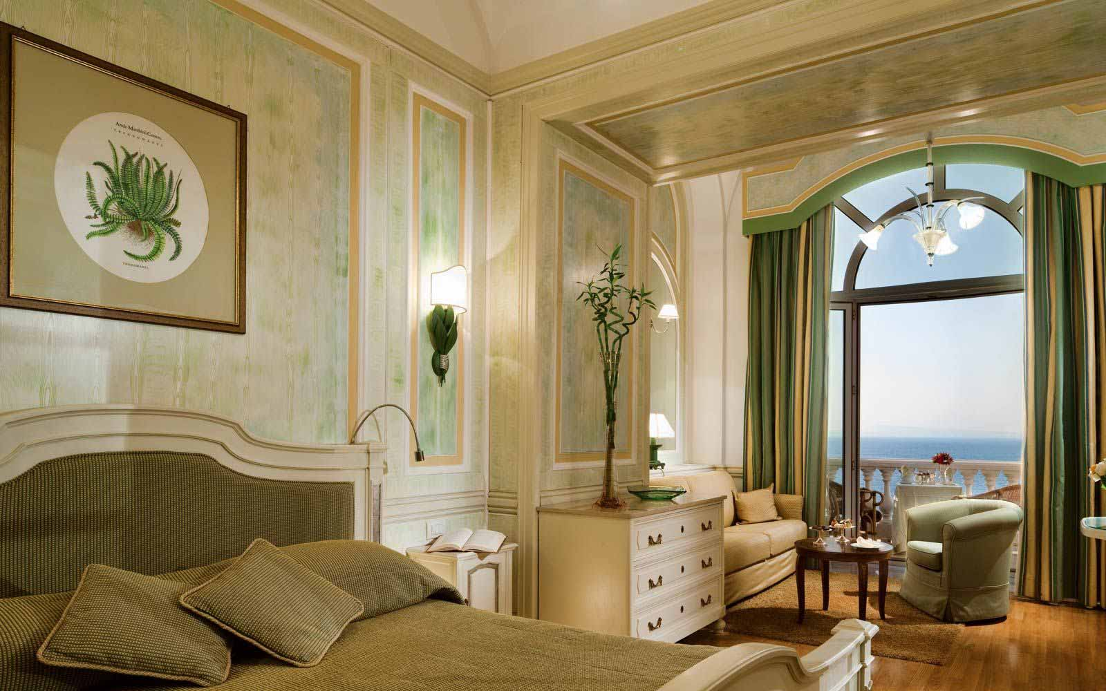 Deluxe Room at the Grand Hotel Excelsior Vittoria