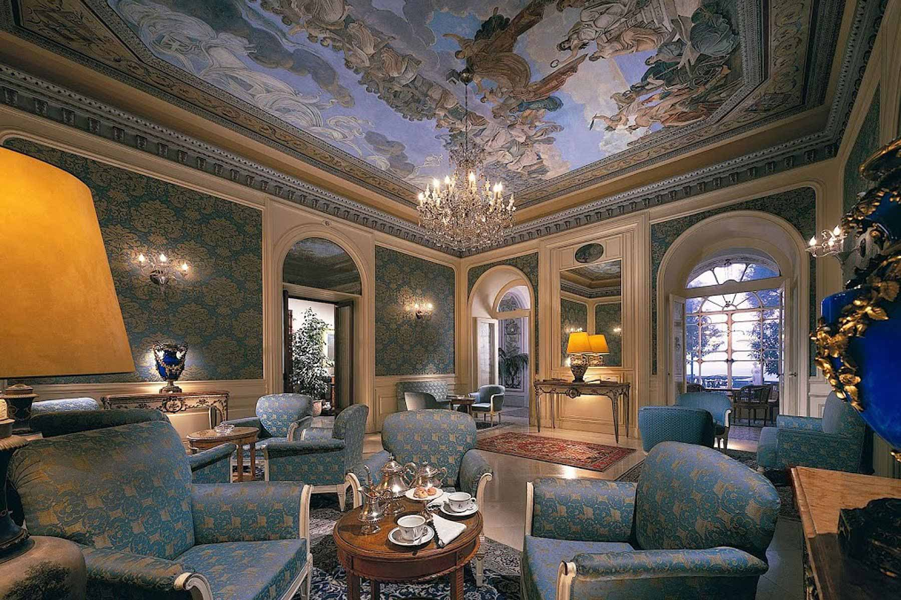 Main lounge at Grand Hotel Excelsior Vittoria