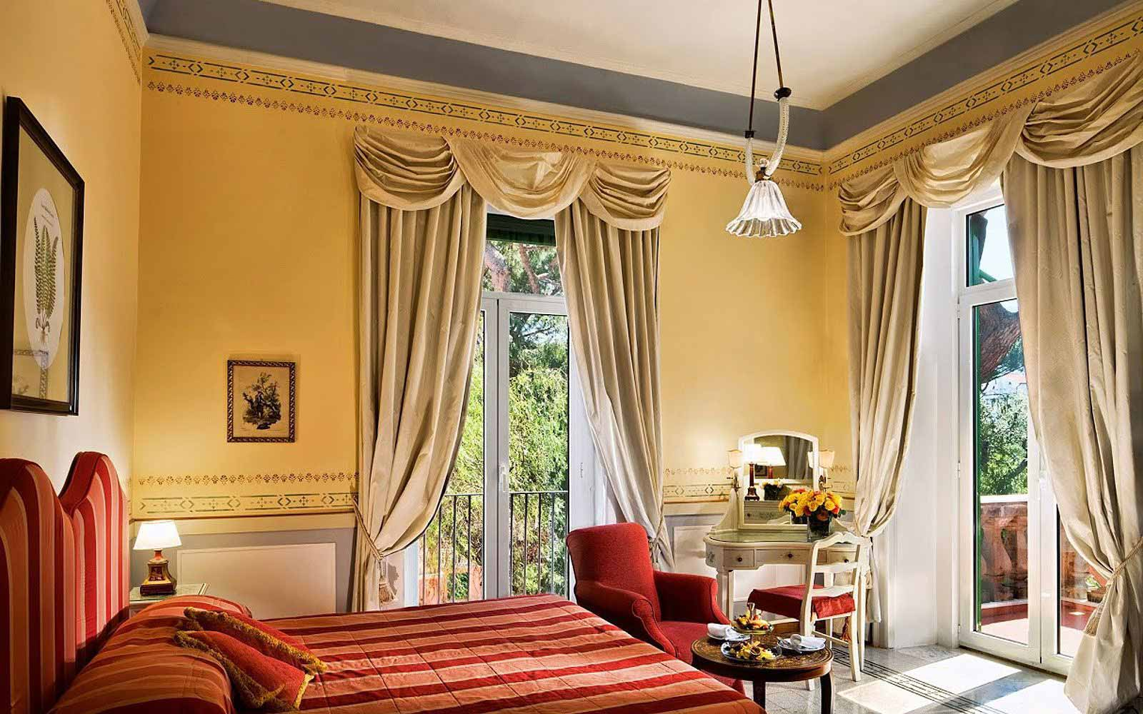 Classic Room with garden view at the Grand Hotel Excelsior Vittoria