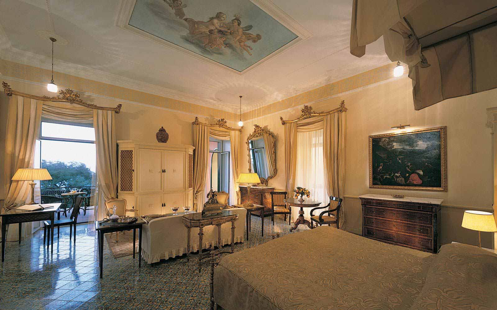 Pavarotti Suite at the Grand Hotel Excelsior Vittoria