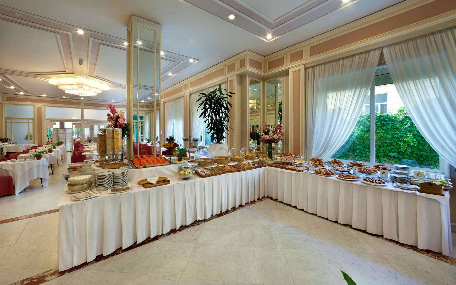 Breakfast buffet at Hotel Continental Sorrento