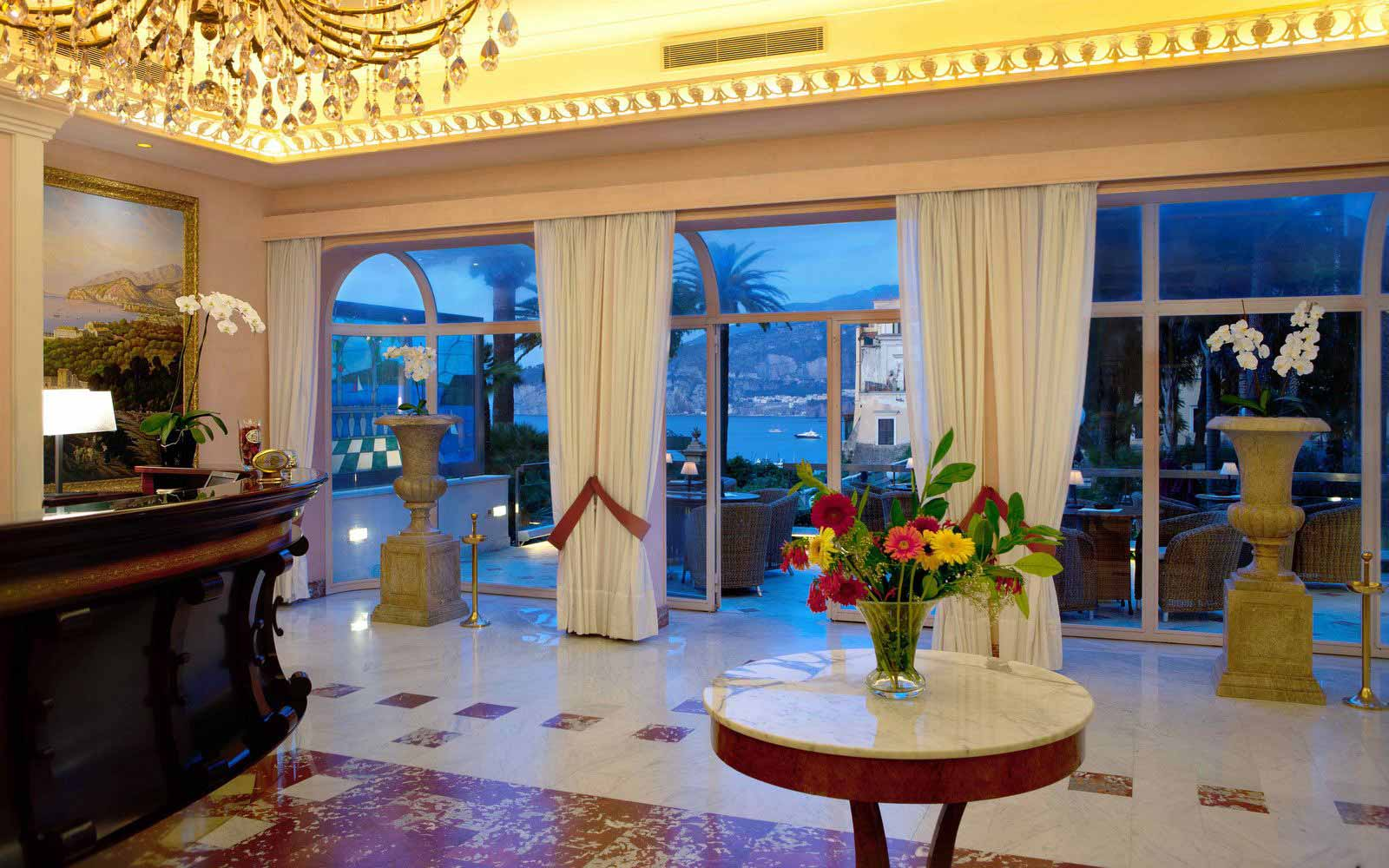 Reception at Hotel Continental Sorrento