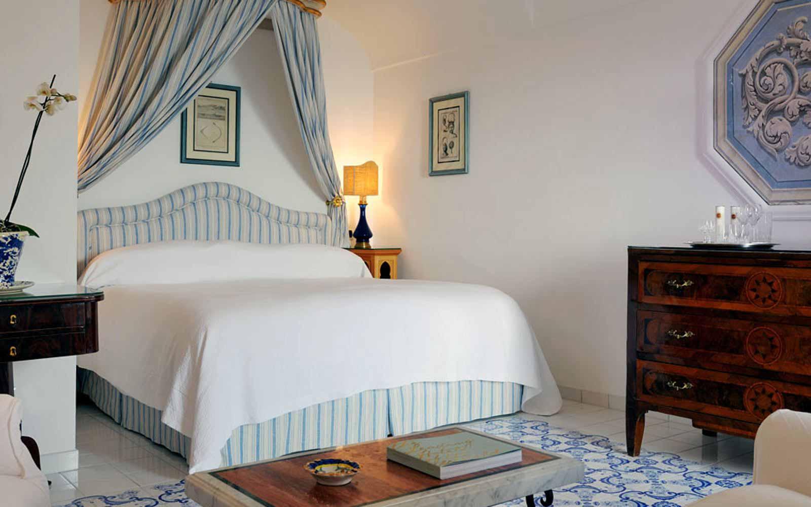 Standard room at Le Sirenuse