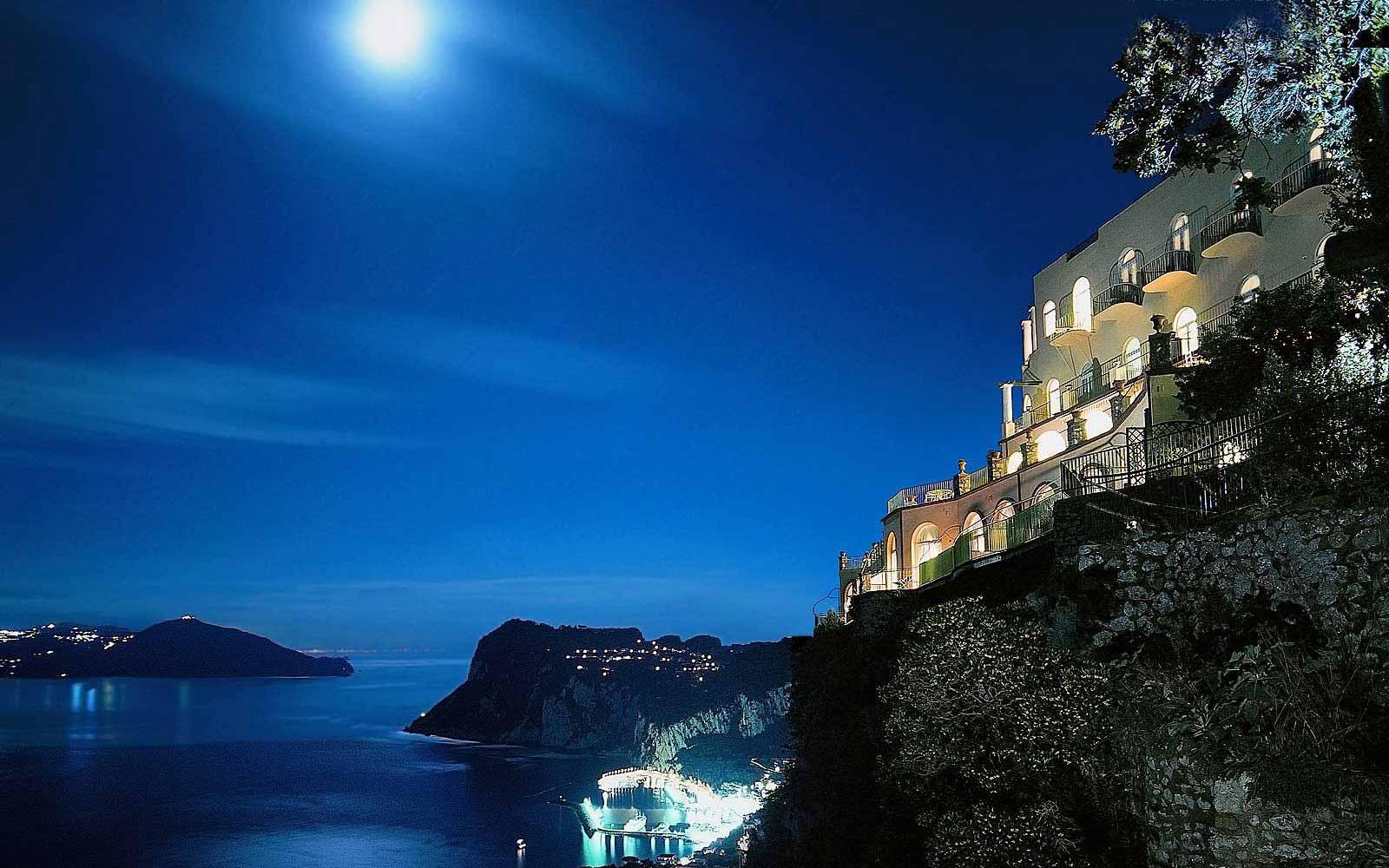 Hotel Caesar Augustus at night