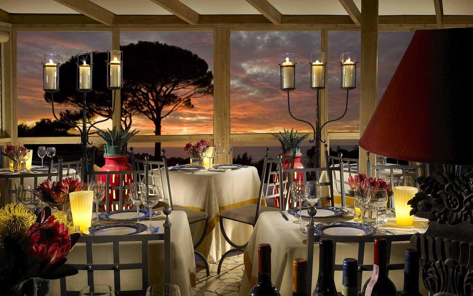Outdoor restaurant at Hotel Caesar Augustus