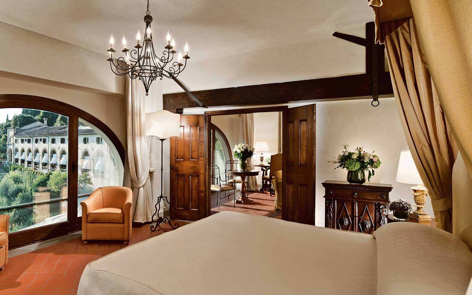Limonaia Suite & Villa at Belmond Villa San Michele