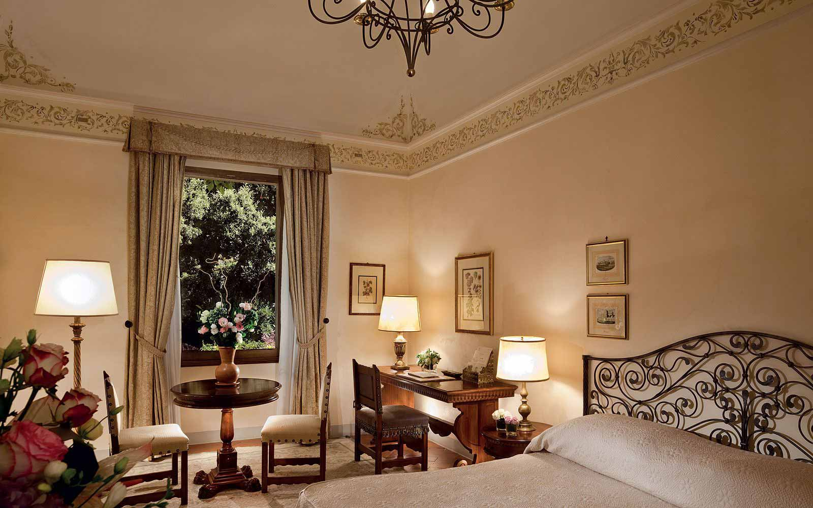 Deluxe Double Room at Belmond Villa San Michele