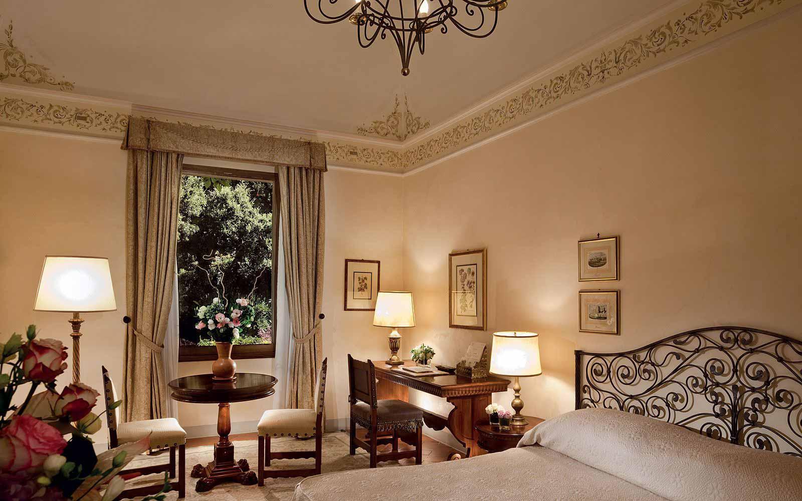 Deluxe Double Room at Belmond Villa San Michele