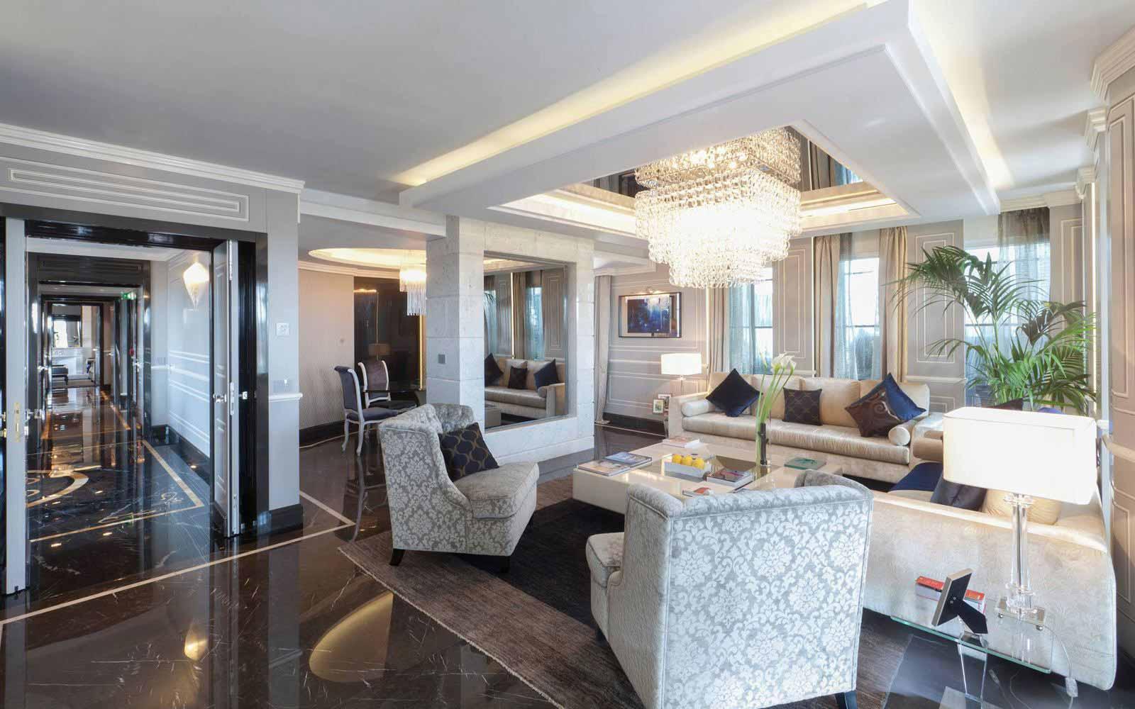 Roman Penthouse suite at Regina Hotel Baglioni