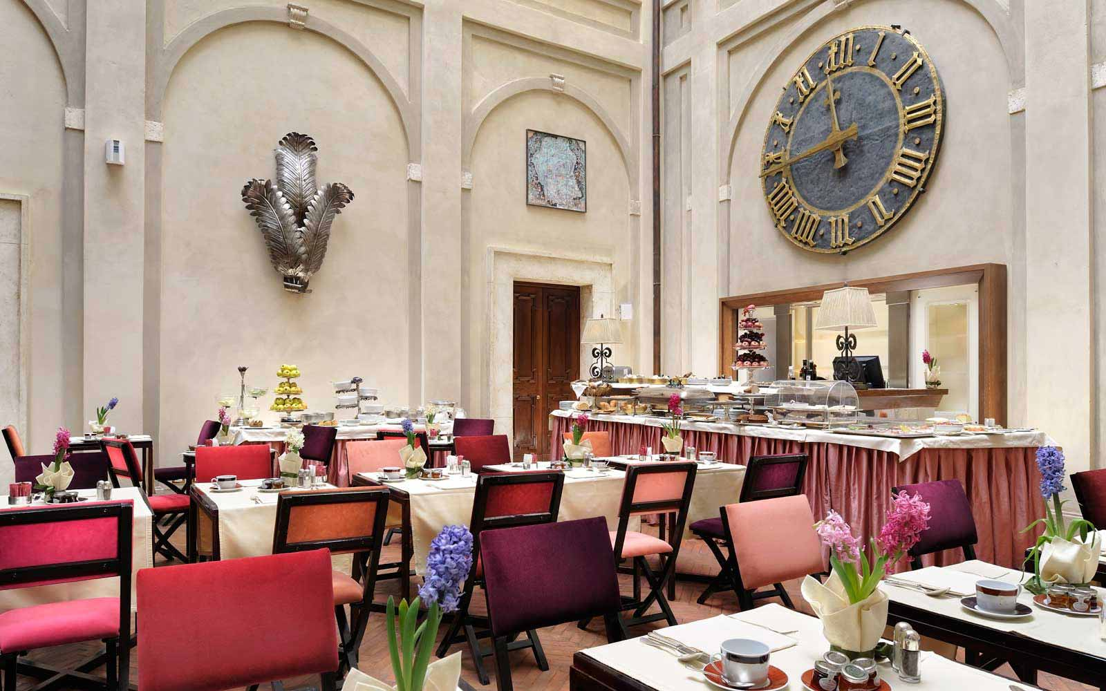 Breakfast room at the Grand Hotel Continental