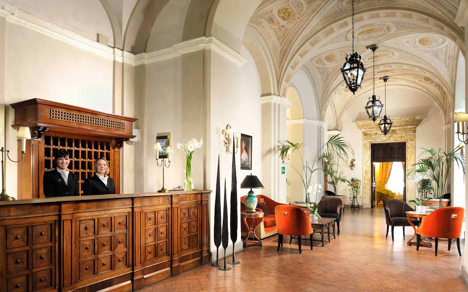 Reception at the Grand Hotel Continental